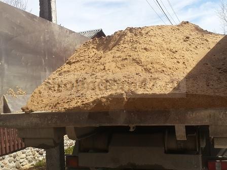 доставка песка на участок