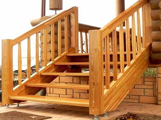 лестница на вход в дом