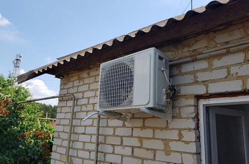 монтаж сплит системы на стену частного дома