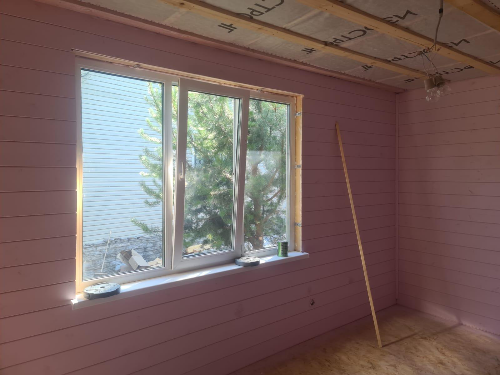 окно в комнате